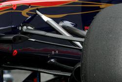 Scuderia Toro Rosso front suspesion detail