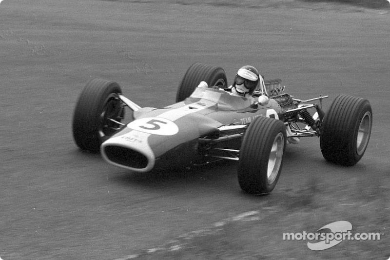 Jim Clark ganó seis pole position con el nuevo motor Ford DFV en sus nueve carreras de 1967; su compañero de equipo, Graham Hill, ganó los otros tres, incluyendo la primera carrera en Holanda