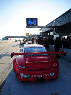 #044 Flying Lizard Motorsports Porsche 911 GT3 RSR: Darren Law, Seth Neiman, Marco Holzer