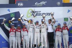 Podio: i vincitori della gara Timo Bernhard, Mark Webber, Brendon Hartley, Porsche Team, al secondo posto Lucas di Grassi, Loic Duval, Oliver Jarvis, Audi Sport Team Joest, al terzo posto Marcel Fässler, Andre Lotterer, Audi Sport Team Joest