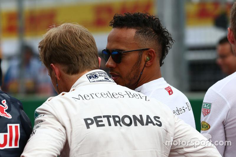 Nico Rosberg, Mercedes AMG Petronas F1 W07 e Lewis Hamilton, Mercedes AMG F1 W07
