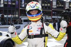 #99 Rowe Racing, BMW M6 GT3: Alexander Sims beim Feiern