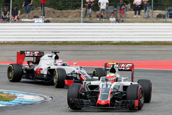 Esteban Gutiérrez, Haas F1 Team VF-16 y Romain Grosjean, Haas F1 Team VF-16