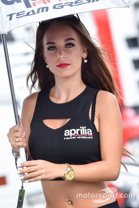 Grid girl Aprilia