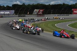 Старт: Михаил Алешин, Schmidt Peterson Motorsports Honda лидирует