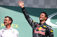Podium: second place Daniel Ricciardo, Red Bull Racing RB12