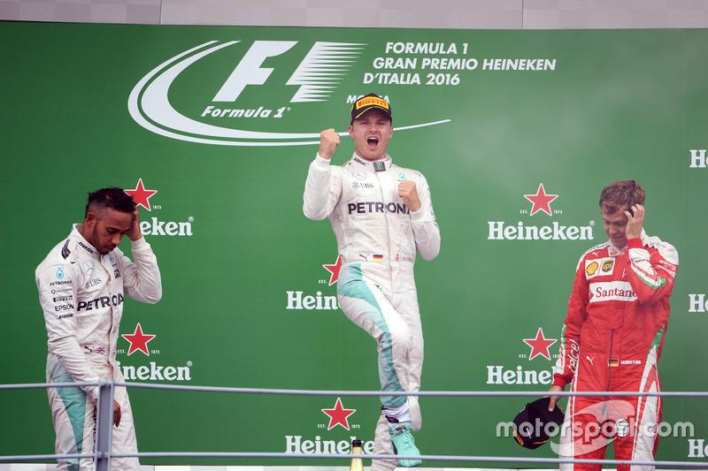 Podium: Lewis Hamilton, Mercedes AMG F1; Nico Rosberg, Mercedes AMG F1; Sebastian Vettel, Ferrari