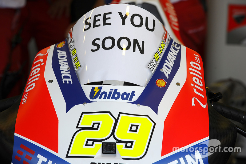 Andrea Iannone, Ducati Team, bike