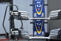 Detail sayap depan Sauber C35