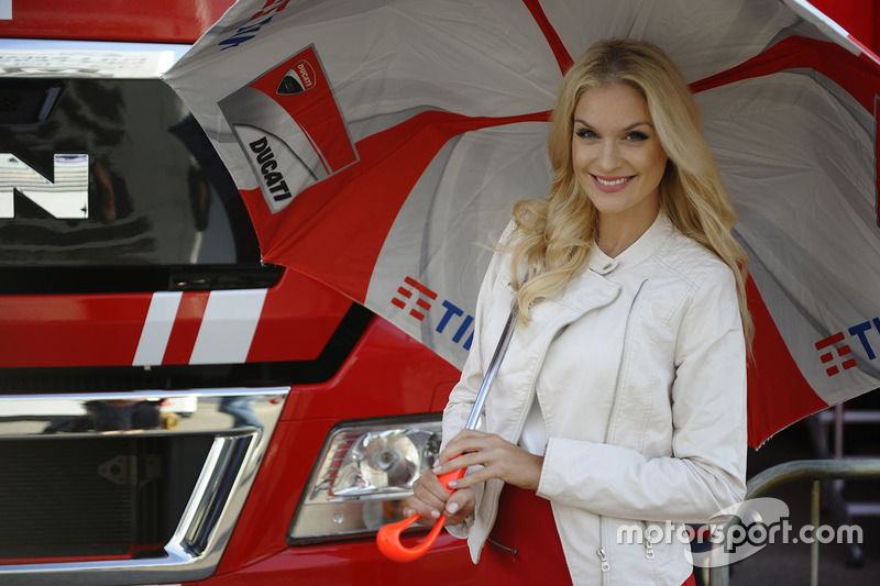 Grid girl Ducati