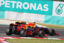 Daniel Ricciardo, Red Bull Racing RB12, und Max Verstappen, Red Bull Racing, RB12