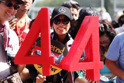 Уболівальник Льюїса Хемілтона, Mercedes AMG F1