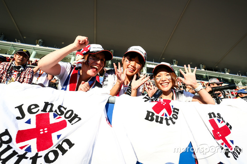 Fans von Jenson Button, McLaren, auf der Tribüne
