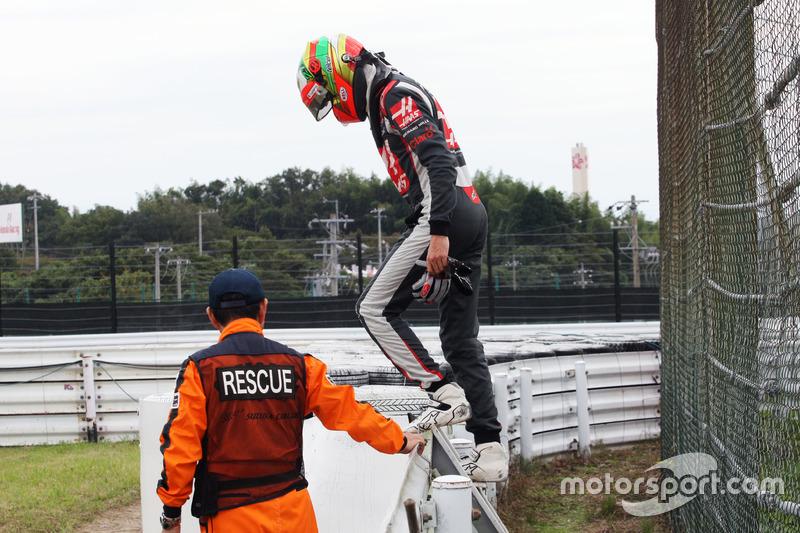 Esteban Gutierrez, Haas F1 Team, nach technischem Defekt im Training