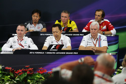 The FIA Press Conference (from back row (L to R)): Ayao Komatsu, Haas F1 Team Race Engineer; Bob Bell, Renault Sport F1 Team Chief Technical Officer; Luigi Fraboni (ITA) Ferrari Head of Engine Trackside Operations; Paddy Lowe, Mercedes AMG F1 Executive Dir