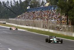 Gerhard Berger, Benetton vor Alain Prost, McLaren