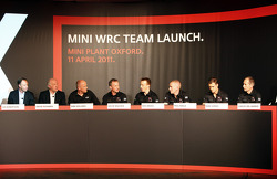 Ian Robertson, BMW AG, David Richards, voorzitter en CEO Prodrive Group, Dirk Hollweg, Hoofd MINI Motorsport, David Wilcock, technisch directeur MINI WRC Team, Kris Meeke
