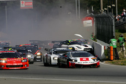 Start: Crash #20 Nissan GT-R and #21 Nissan GT-R