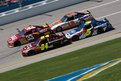 Jeff Gordon, Hendrick Motorsports Chevrolet, Mark Martin, Hendrick Motorsports Chevrolet, Clint Bowyer, Richard Childress Racing Chevrolet, Michael Waltrip, Michael Waltrip Racing Toyota