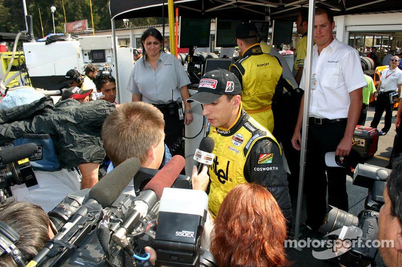 Las entrevistas para ganador de la pole Justin Wilson