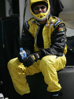 RuSport crew member waits for next pitstop