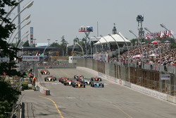 Green flag: Sébastien Bourdais and Paul Tracy battle for the lead