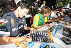 Autograph session: Andrew Ranger