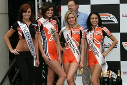 Podium: the charming Champ Car girls