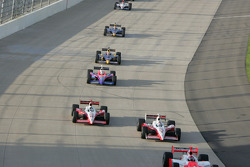 Darren Manning and Scott Dixon battle