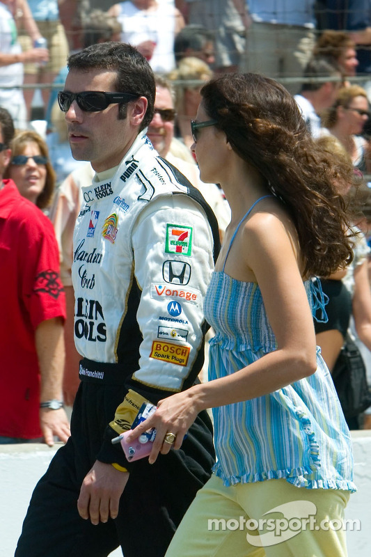 Challenge arrêt au stand: Dario Franchitti et Ashley Judd