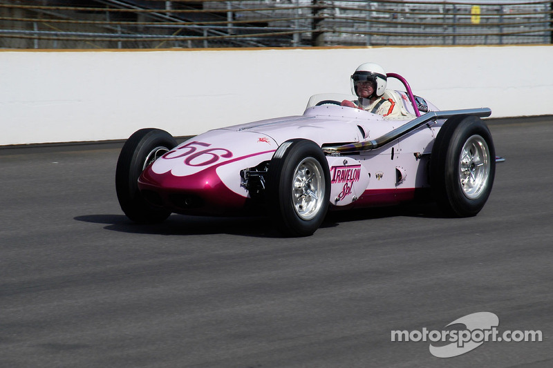 Vintage racers: 1960 Travelon Special Watson Roadster at Indy 500