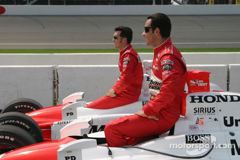 Helio Castroneves, en pole position, avec Sam Hornish Jr.