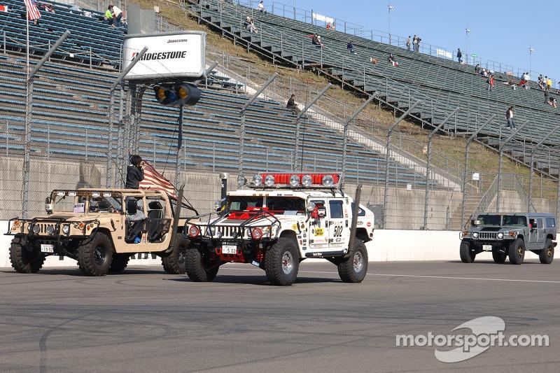 Une parade à Hummers