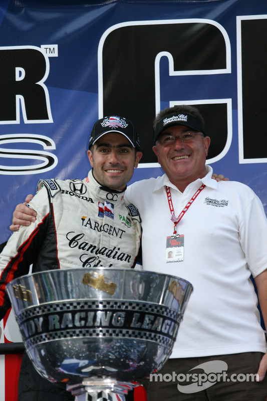 Victory lane: Dario Franchitti celebrates the win and the 2007 IndyCar Series championship with his dad