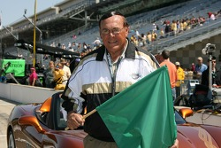 Honourary starter for the day Gene Keady, retired head coach of the Purdue Boilermakers mens basketball team