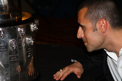 Dario Franchitti spots his image on the Borg-Warner Trophy