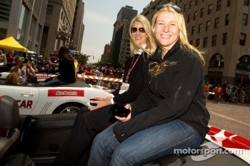 Indy 500 festival parade: Pippa Mann, Conquest Racing