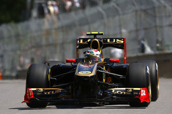 Виталий Петров, Lotus Renalut F1 Team