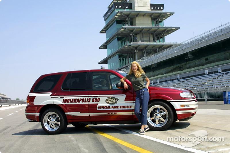 Pace vehicle driver Elaine Irwin-Mellencamp