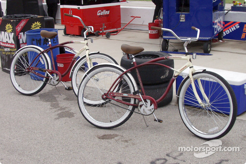 These old style bikes are everywhere!