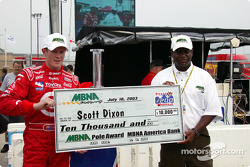 Scott Dixon is presented the MBNA Pole Award check by Parrish Henry