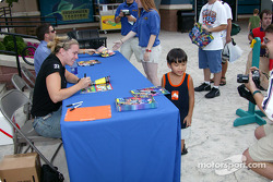 Autograph session during the Newport Festival: Sarah Fisher