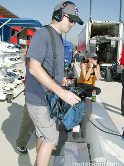 Indy Experience two-seater IndyCar: cameraman prepares for Melissa Hart