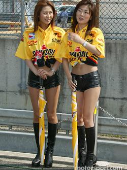 Twin Ring Motegi girls