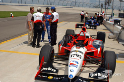 Indy Experience two-seater IndyCar: Dario Franchitti gets ready