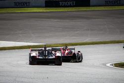 #8 Audi Sport Team Joest Audi R18: Лука ді Грассі, Лоік Дюваль, Олівер Джарвіс