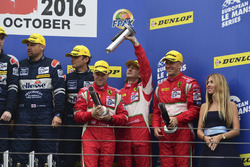 Podium: third place LM GTE #60 Formula Racing Ferrari F458 Italia: Johnny Laursen, Mikkel Mac, Christina Nielsen