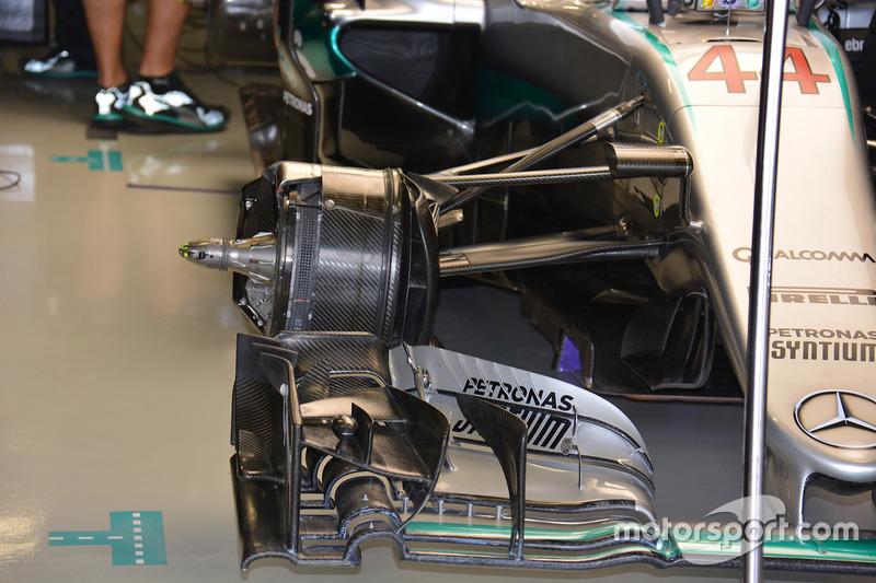 Mercedes AMG F1 W07 Hybrid, ala delantera