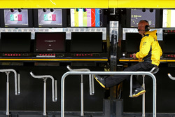 Paul Seaby (GBR), Renault Sport F1 Team
