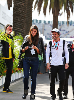 Fernando Alonso, McLaren con su novia Linda Morselli